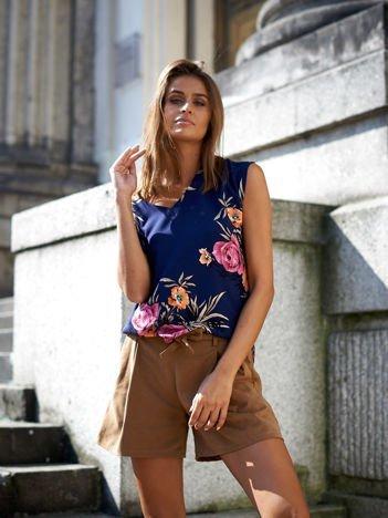 Granatowa bluzka w kwiatowe wzory