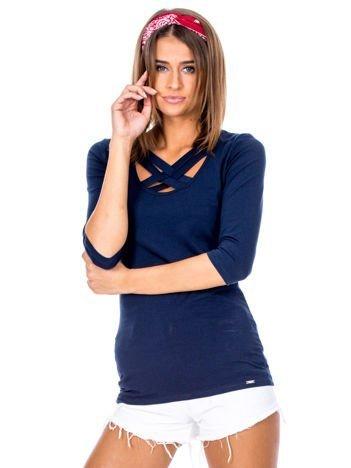 Granatowa bluzka z plecionymi paskami