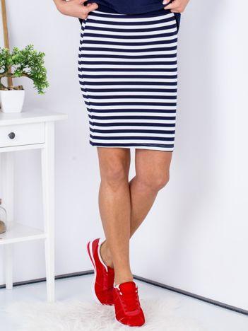 Granatowa dopasowana spódnica w paski