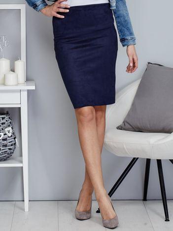 Granatowa spódnica z imitacji zamszu