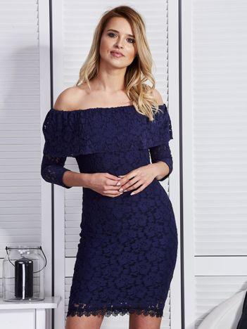 Granatowa sukienka z hiszpańskim dekoltem