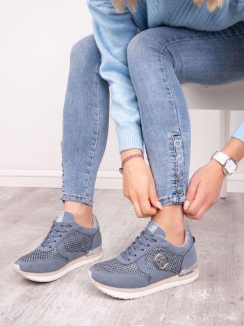 Granatowe buty sportowe ACLYS z ażurowa cholewką