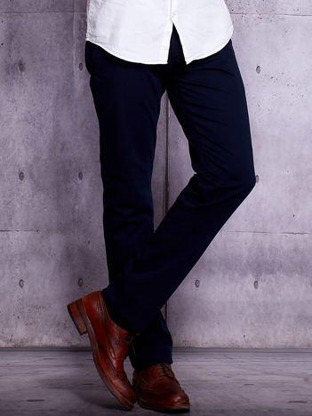 Granatowe spodnie chinosy męskie
