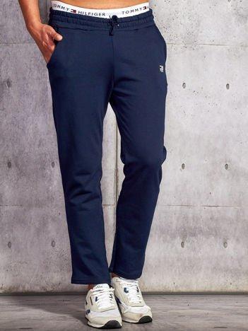Granatowe spodnie dresowe męskie z troczkami