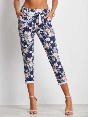 Granatowo-różowe spodnie Roses