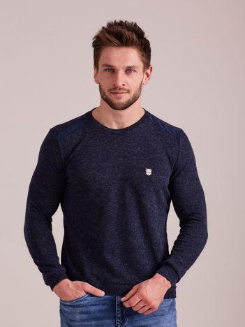 Granatowy dzianinowy sweter męski