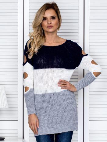 Granatowy modułowy sweter cut out