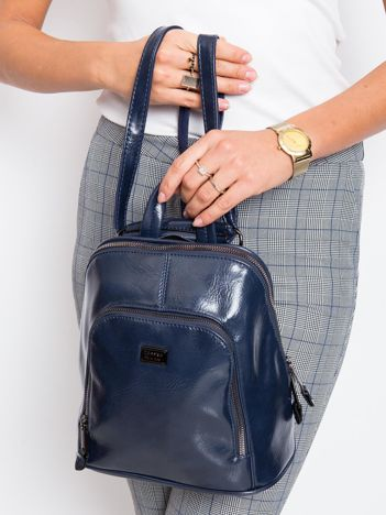 Granatowy plecak damski ze skóry ekologicznej