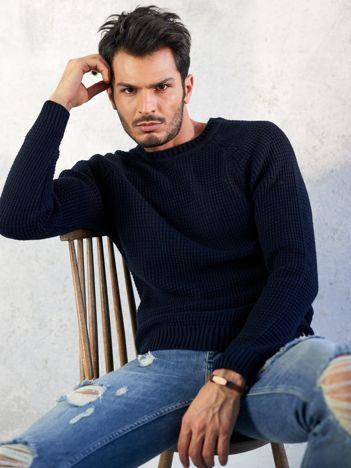 Granatowy sweter męski basic