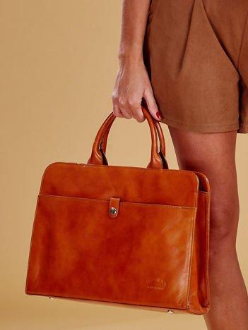 Jasnobrązowa torba damska ze skóry w miejskim stylu