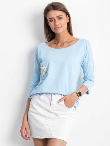 Jasnoniebieska bluzka z serduszkiem z perełek