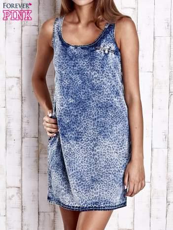 Jasnoniebieska jeansowa sukienka z motywem panterki