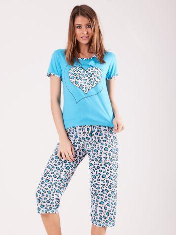 Jasnoniebieska piżama w cętki