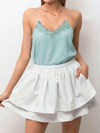 Jasnoniebieska spódnica z warstwowymi falbanami