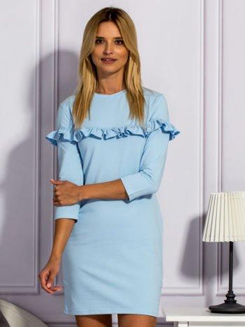 Jasnoniebieska sukienka z falbankami