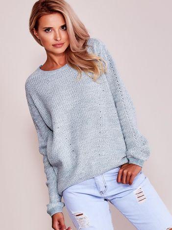 Jasnoniebieski luźny sweter