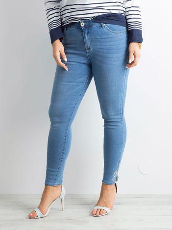 Jasnoniebieskie jeansy rurki PLUS SIZE