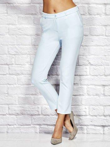 Jasnoniebieskie spodnie cygaretki