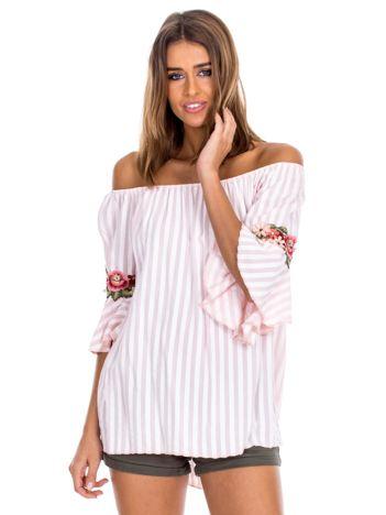 Jasnoróżowa bluzka hiszpanka w paski z kwiatowymi wstawkami
