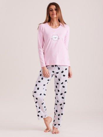 Jasnoróżowa dwuczęściowa piżama w koty