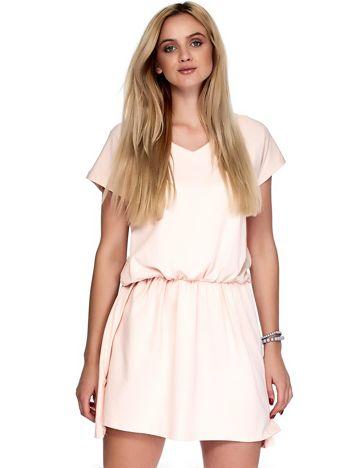 Jasnoróżowa sukienka V-neck z gumką w pasie