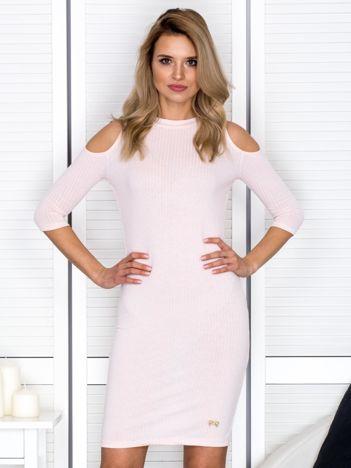 Jasnoróżowa sukienka cold arms prążkowana