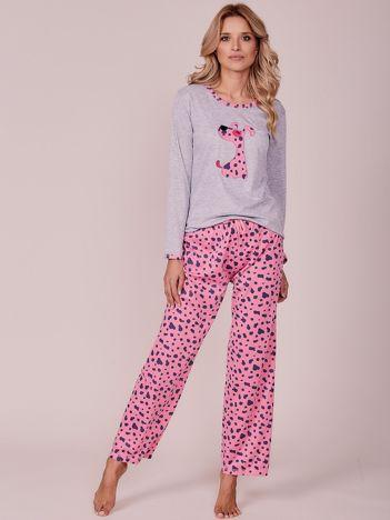 Jasnoróżowa wzorzysta piżama