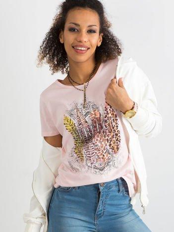 Jasnoróżowy t-shirt z bawełny