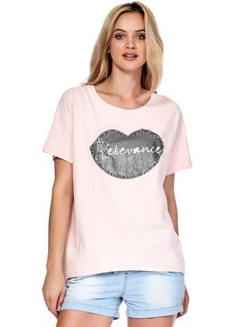 Jasnoróżowy t-shirt z motywem ust