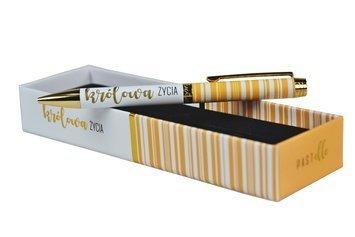 """KUKARTKA Długopis z ozdobnym napisem """"Królowa życia"""" Piękny, praktyczny, świetnie wykonany, w ozdobnym pudełku - idealny na prezent"""