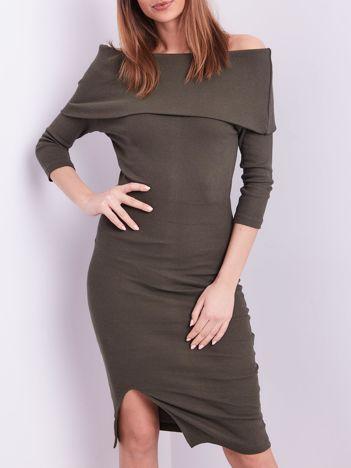Khaki dopasowana sukienka z odkrytymi ramionami