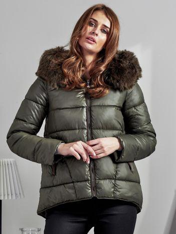 Khaki pikowana kurtka z zamszowymi wstawkami