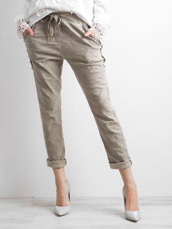Khaki spodnie z troczkami