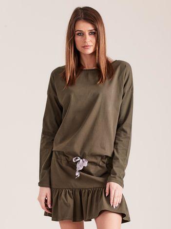 Khaki sukienka oversize z falbaną