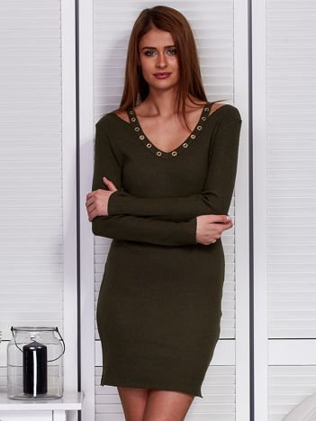 Khaki sukienka z ażurowymi kółeczkami