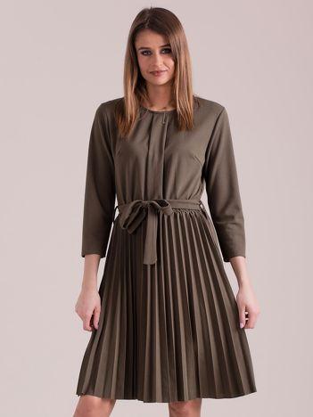 Khaki sukienka z plisowaniem