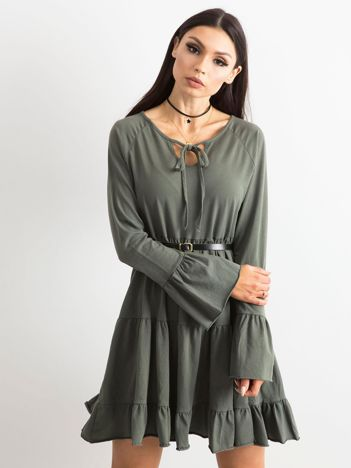 Khaki sukienka z szerokimi rękawami