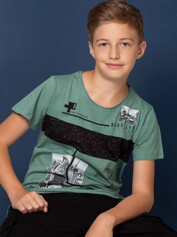 Khaki t-shirt dla chłopca z miejskim nadrukiem