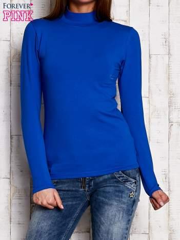 Kobaltowa gładka bluzka z półgolfem