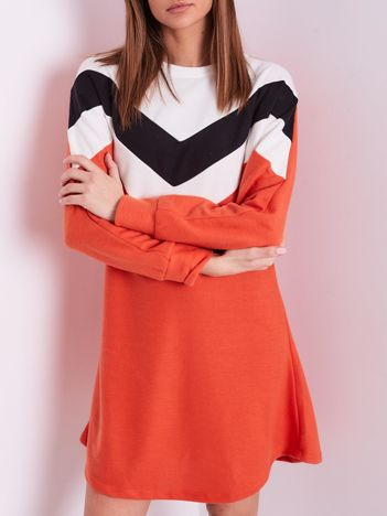 Koralowa sukienka color block
