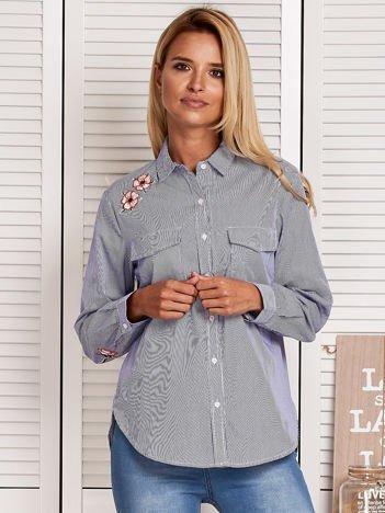 Koszula damska w drobne paski z naszywkami niebieska