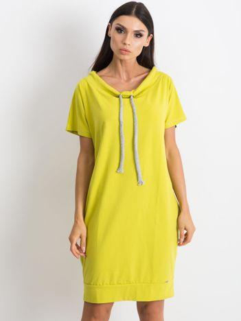 Limonkowa sukienka Distinctiveness