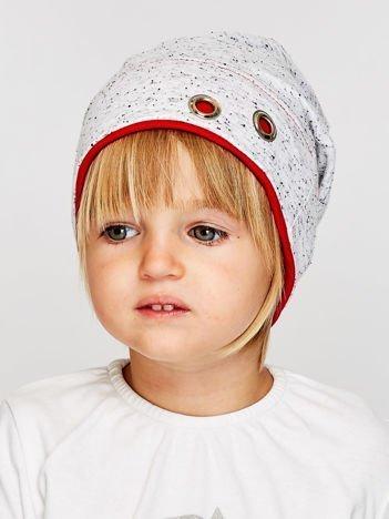 Melanżowa czapka dziewczęca z ozdobnymi nitami szaro-czerwona
