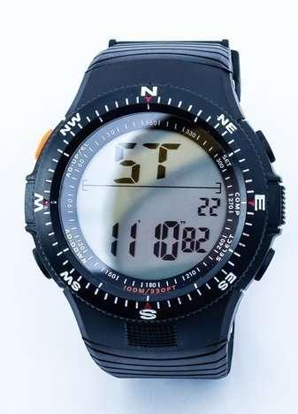 Męski sportowy czarny zegarek z datownikiem i podświetlaną tarczą