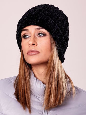 Miękka czarna czapka damska