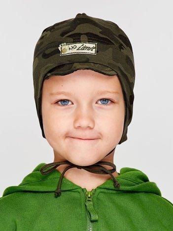 Moro wiązana czapka chłopięca z daszkiem i naszywką zielona