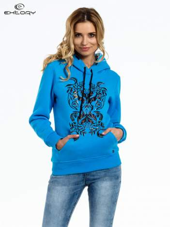 Niebieska bluza sportowa z kapturem i dżetami