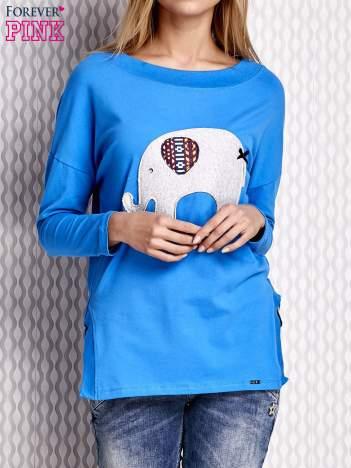 Niebieska bluzka ze słoniem