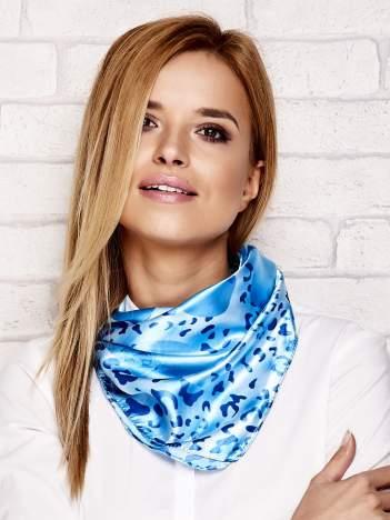 Niebieska chusta apaszka animal print