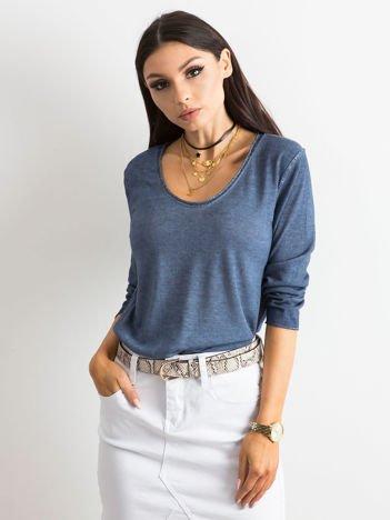 Niebieska damska bluzka z błyszczącą nicią